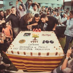 tarta del centenario de la Cooperativa de Maials