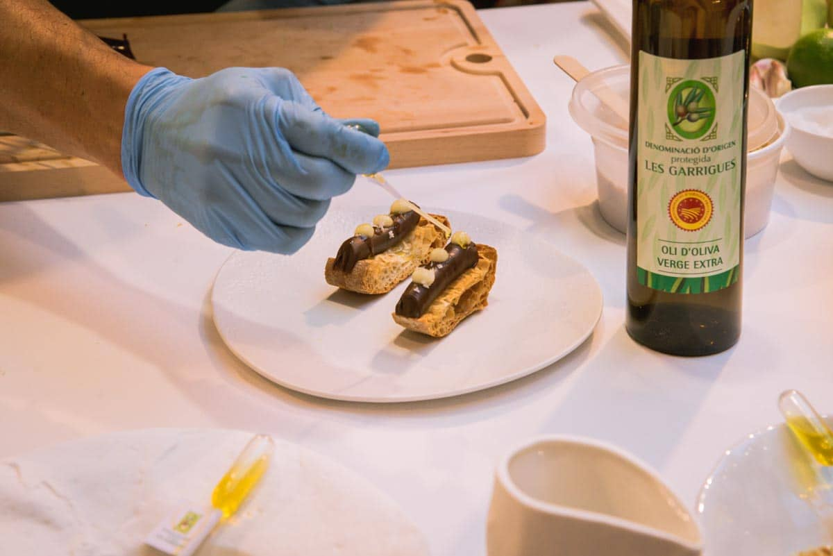 Recepta Pa amb oli DOP Les Garrigues xocolata i poma cuita Pas 4